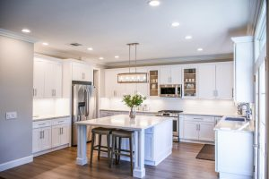 A clean kitchen as the first of our downsizing tips.