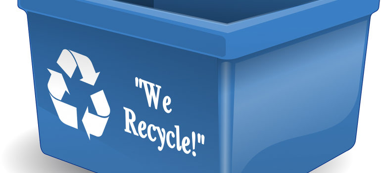 Protecting your fragile possessions with boxes you can recycle.