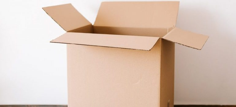 A cardboard box you will use to store your possessions while renovating