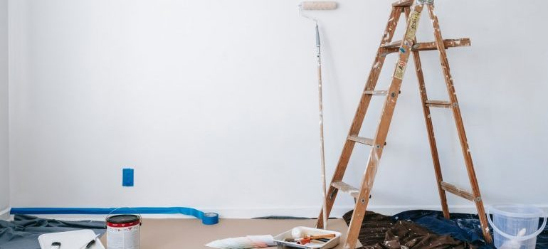 Wall painting setup according to spring renovation tips